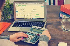 Własna działalność – trochę problemów finansowych