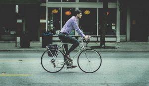 Podziwiaj malownicze widoki, podróżując rowerem miejskim