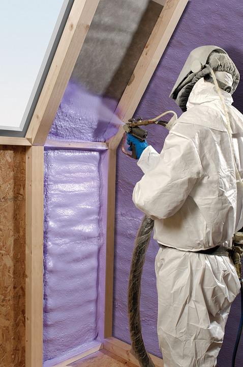 Pianka poliuretanowa i ocieplanie budynku
