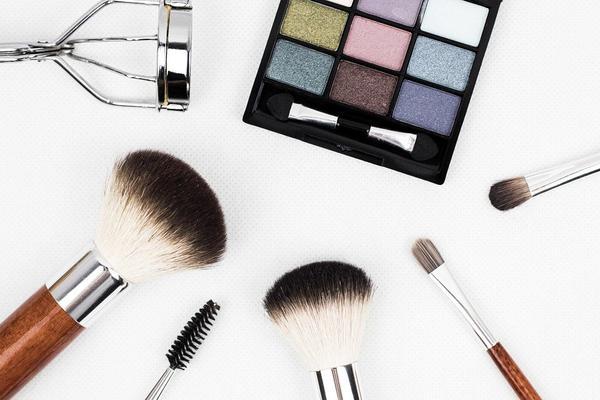 Dobre kosmetyki makijażowe w sklepie internetowym