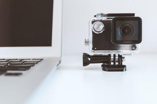 Dlaczego warto mieć w swom aucie kamerę?